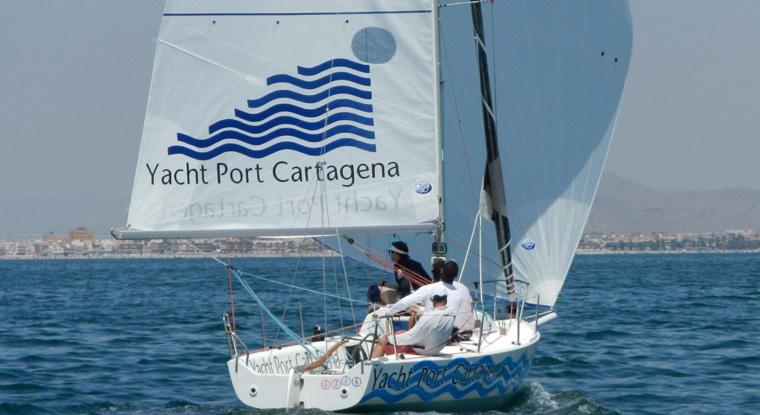 El-velero-Yacht-port-Cartagena-vuelve