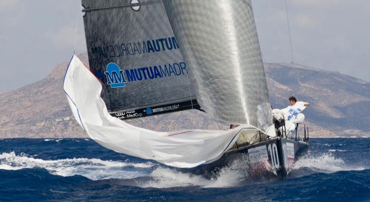 junio-mes-regatas-yacht-port-cartagena